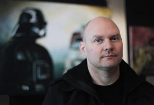 Daniel Hansson målar motiv från Star Wars-filmerna, enbart originalfilmerna.