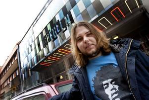Släppfestar. Rikard Sjöbloms soloprojekt Gungfly firar skivsläpp på Spegeln i kväll.