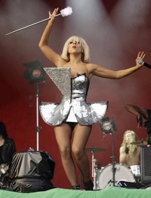 Lady Gaga slog publikrekord på Gröna Lund i söndags med 23 000 besökare, den högsta siffran sedan Bob Marleys konsert 1980. Dagen innan hjälpte hon Storsjöyran med ett nytt publikrekord. Foto: Joel Ryan/AP/Scanpix