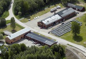 Spikfabriken i Åbyfors kan komma att rivas. Nu utreder kommunen möjligheten att bygga bostäder på platsen.