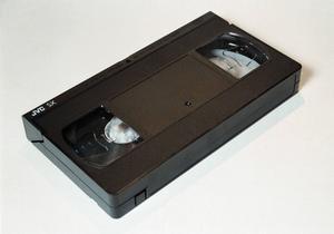 TV och VHS-film är farligt och beroendeframkallande. 1970–framåt.