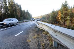 Den sten som Allan Zvar körde på fanns placerad på bron vid Saxvall efter riksväg 84