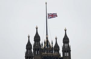 Flaggan hissades på halvstång vid The House of Lords  dagen efter attackeni London.
