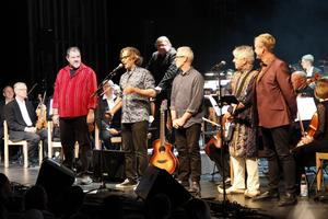 Men On The Border och Sandvikens Symfoniorkester framförde Syd Barrett-hyllningen