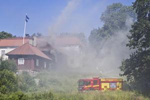 På torsdagen brann det i asylboendet. Foto: Lina Bergling
