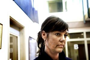Ser över rutinerna. Enhetschef Tina Larsson arbetar med att gå igenom hur den 74-årige mannen i två veckor kunde ligga med benbrott utan att det upptäcktes.