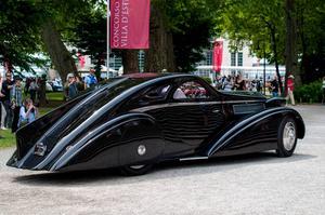 Strömlinjeformad som få är Rolls-Royce Phantom i Jonckheere-modell.