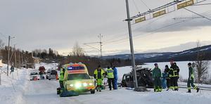 Bilen som var inblandad i olyckan blev helt demolerad.