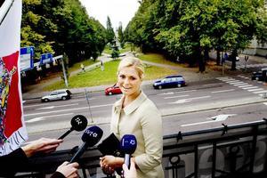 Hertiginnan av Gästriklands dag var fullspäckad vid ett besök i Gävle. Nu förlovar prinsessan Madeleine sig med Jonas Bergström. I dag tisdag 11 augusti 2009 tillkännagavs förlovningen på Solliden.(Arkivbild)