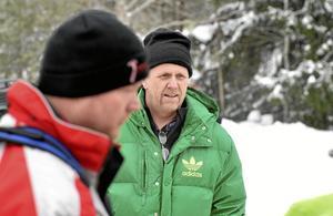 Återfallsåkare. Lars-Göran Zetterlund var coodriver åt Bo Karlsson, båda tillhör hemmaklubben Hällefors MK.