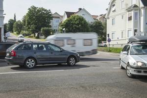 Många trafikolyckor har inträffat i korsningen Nybrogatan-Bergsgatan.