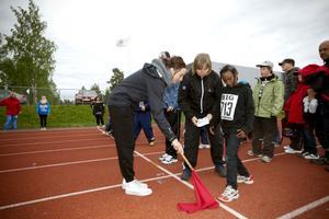 Kaltun Muse i tvåan på Ulvsäter gör sig redo för 60-metersloppet.