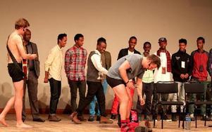 Filip & Fredrik gjorde en show i Borlänge till förmån för det somaliska bandylandslaget i stan. Foto: John Leander