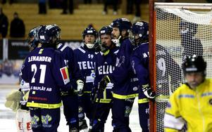 En svängig match slutade till slut 4–4 mellan IK Tellus och Kalix Bandy.