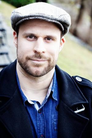 Marcus Priftis kommer till Länsmuseet i Gävle i dag söndag och pratar om osunda manlighetsnormer.   Foto: Sara Appelgren