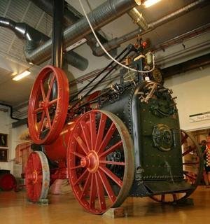 Storsäljare. Redan i mitten av 1800-talet startade Munktells tillverkningen av ånglokomobiler som främst fungerade som kraftverk inom industrin men som också blev början till mekaniseringen av jordbruket. Den här H8-modellen blev Munktells storsäljare.