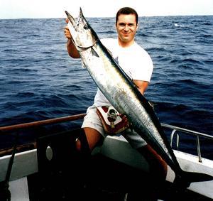 Med rätt redskap och rätt känsla för havsfiske kan man få en wahoo på 25 kilo.