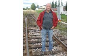 Kurt Podgorski kommer att jobba stenhårt för att persontrafiken på Västerdalsbanan ska räddas.FOTO: ROLF JOHANSSON