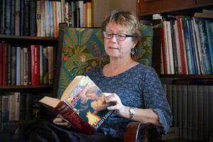 Lena Wiklund-Lévy har fört läsdagbok under tio års tid. Just nu är hon inne i en period då hon mest läser klassiker.