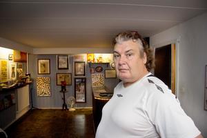 Tony Eriksson i Kungsör vill gärna öppna sitt hem för flyktingar och manar andra att göra likadant.