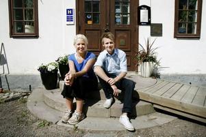 Miranda Östblom och Richard Forsling är nya ägare till Gysinge värdshus.