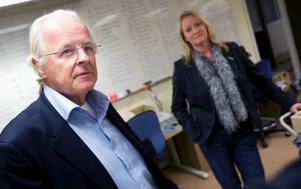 Favoptics vd, Carl Erik Eriksson, och Samhalls distriktschef, Anette Sundström, är båda nöjda med samarbetet mellan företagen.