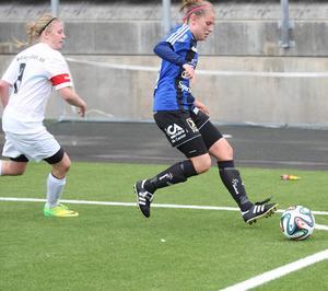Julia Hennström var en offensiv injektion på vänsterkanten i ÖDFF:s segermatch mot Täby.