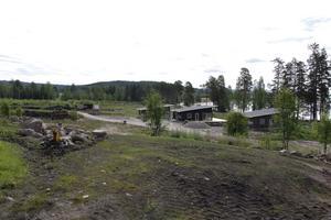Dellendröm har tre stugor som alldeles strax är klara, men det finns mer att vänta sig framöver.