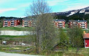 En massiv nyproduktion har påverkat statistiken i Åre. Nästan alla bostadsrättslägenheter som sålts de senaste två åren har varit nyproduktion, som de här nybyggda husen på Kallströms lägda.