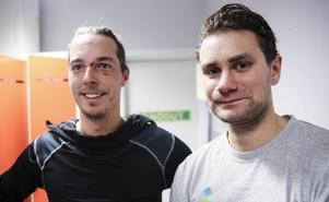 Forwards som gör mål är glada forwards. Christian Mickelsson och Tobias Björklund satte två mål vardera i Bollnäs hemmapremiär.