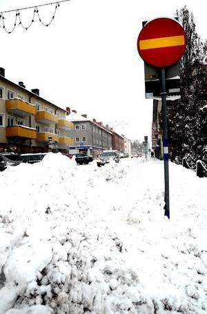 Centrumområdet och de större gatorna som exempelvis Åsgatan prioriteras först.