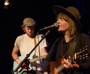 Ellen Sundberg gästade Joe Nolans konsert och drog av sin egna låt