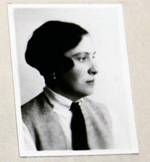 Fröken Ingrid Fischer var ledare för Gefle Kvinnliga Gymnastikförening, hon följde med till Berlin.