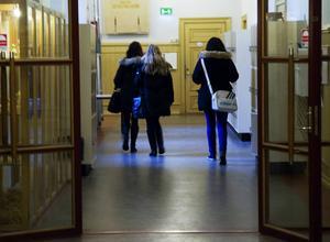 Under gymnasieåren blir de flesta svenskar röstberättigade.