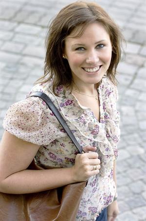Folkhälsostrategen Lisa Johansson hälsar alla välkomna till årets