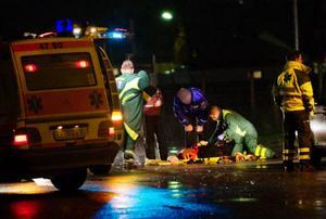 Den påkörda kvinnan fördes med ambulans till Östersunds sjukhus, där hon vårdas för allvarliga skador.Foto: Ulrika Andersson