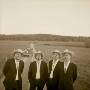 Blue Mountain Boys. Från vänster: Peter Roos, Fredrik Mårtensson, Peter Danielsson och Pedro Blom.  Foto: Örjan Blom