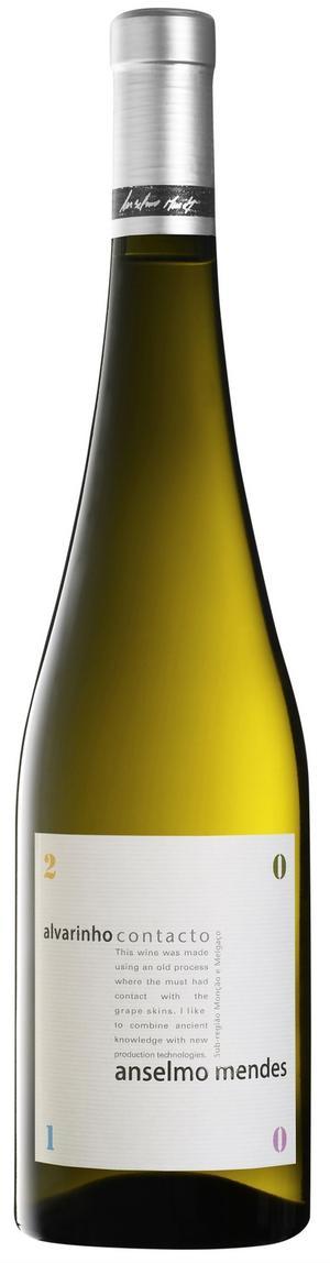 Citrusfriskt. Alvarinho Contacto är en ovanligt smakrik och elegant Vinho Verde. Vann omröstningen i klassen vita nykomlingar under 2011.