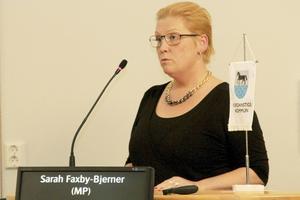 Sarah Faxby-Bjerner, (MP), lämnar kommunen och KF...