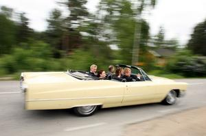 Cecilia Nylander, Emil Melin, Elin Björklund och Jonas Engström åkte Cadillac. Från Mohed gick färden till Kilafors men mestadels med cabben uppe. Det var väldigt kallt.