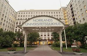 Kvinnan fördes till Umeå universitetssjukhus.