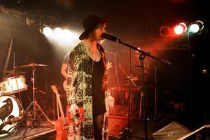 Ellen Sundberg spelade låtar från båda sina skivor under konserten.