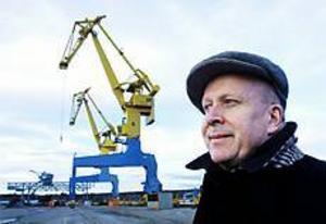 Arkivfoto: NICK BLACKMON För de som vill besöka Gävle hamn kommer skillnaden att märkas på flera sätt när säkerheten skärps. - Det kommer att bli personkontroll och passersedlar, säger Olle Widigsson, hamndirektör.