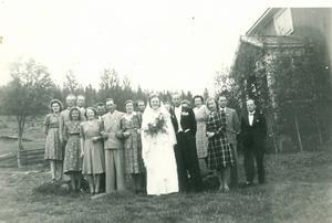 Bröllop i Hanabäck den 15 juni 1946 mellan Gerda Andersson o Bror Dahlberg. Familjen bosatte sig i Överön. Foto inlämnat av Gudrun Hansson