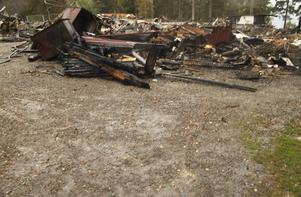 Exakt vad som orsakade branden i huvudbyggnaden har inte gått att fastställa.