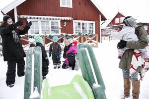 Dagmammorna i Leksand älskar sitt jobb, men är besvikna på kommunen som de vill ha bättre dialog med.