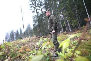 Patrik Söderström berättar att det krävs tålamod vid kronhjortsjakt.