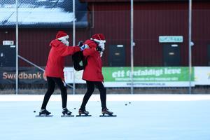Tomtarna Julius Kåresson och Stor-Olle fick åka fyra varv var för att täcka upp för de åtta deltagande barnen.