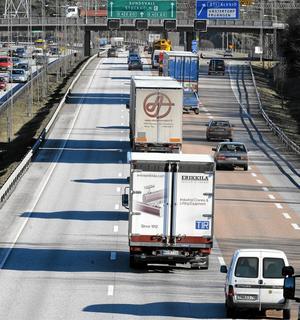 Vilda västern på vägen. Det råder vilda västern på arbetsmarknaden för lastbilschaufförer, skriver Marita Ulvskog. Arkivfoto: Bertil Ericson/TT