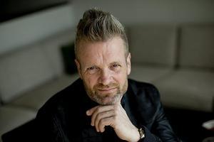 """Micke """"Syd"""" Andersson. Gyllene Tider är aktuella med nya plattan """"Dags att tänka på refrängen"""" och en stor turné. På söndag kommer de till Brunnsparken i Örebro."""